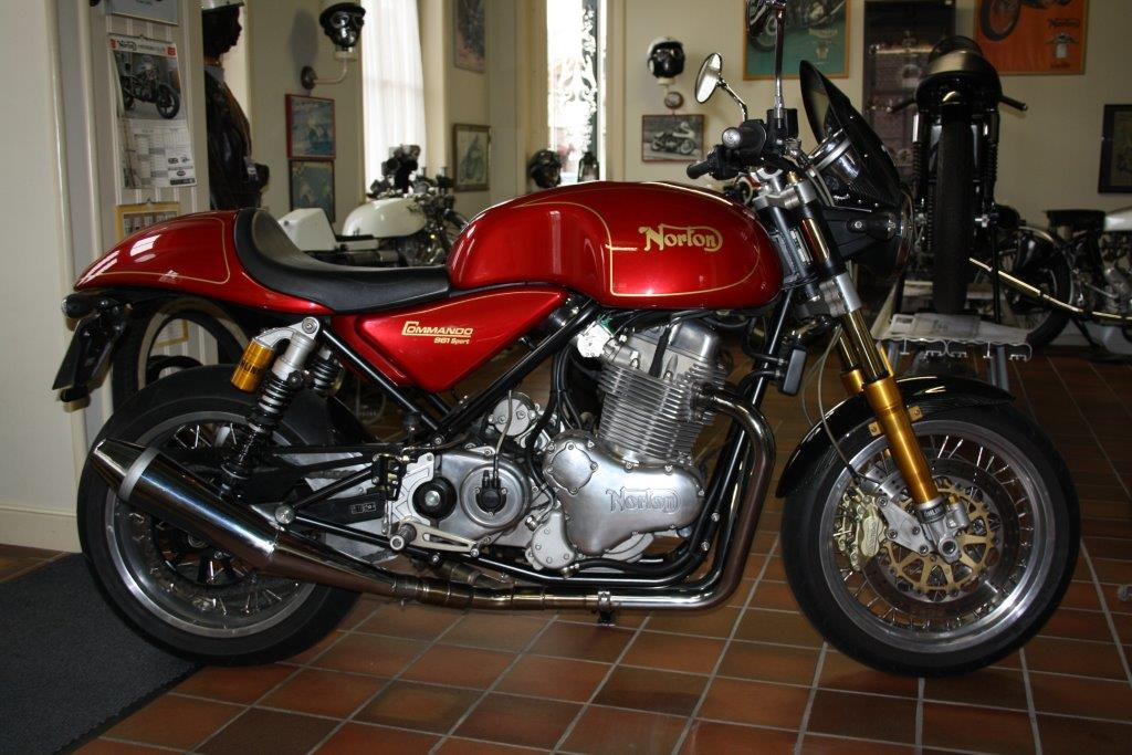 Norton Commando 961 sport 2011
