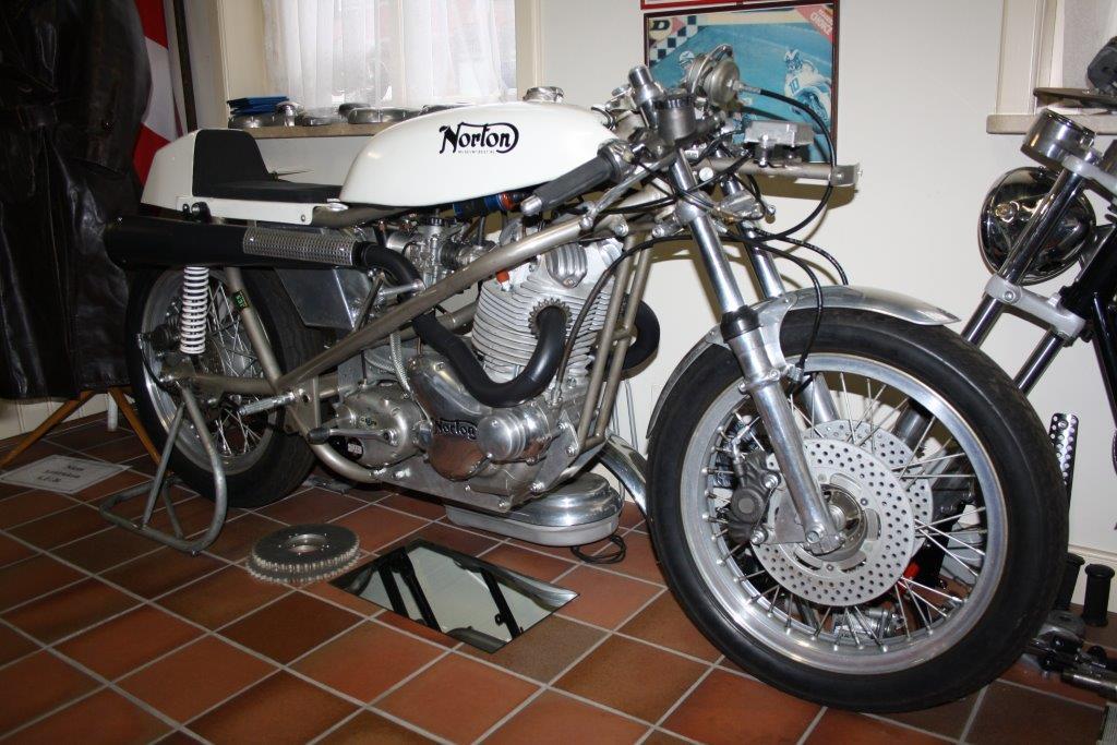 Norton Seeley (korte slag 750) 1974